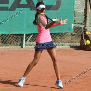 48 тенисисти спорят за трофея в Държавен турнир в Хасково