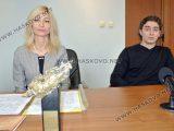 """5-годишна цигуларка свири в 44-тото издание на конкурса """"Проф. Недялка Симеонова"""""""
