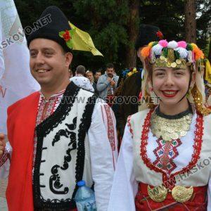 650 танцьори във фестивала
