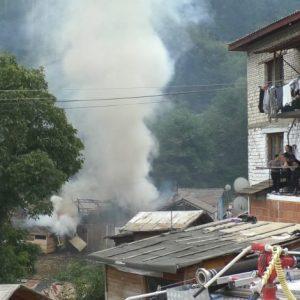 7-годишно дете е подпалило селскостопанската постройка в ромската махала, изгорели са над 60 животни