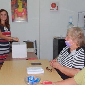 БСП гласува, Корнелия Нинова отвя конкуренцията в Димитровград