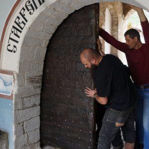 В Бачковския манастир върнаха оригиналната входна врата, която е на над 400 години