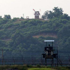 Гимнастик прескочи триметрова ограда, за да избяга от Северна Корея