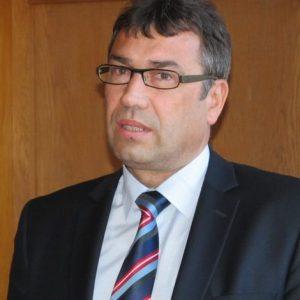 Делото за 500 000 лева обезщетение на бившия шеф на полицията в Смолян Евгений Василев бе отложено
