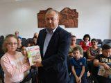 Изет Шабан връчи нови учебни помагала на учениците от Ардино, изучаващи майчин турски език