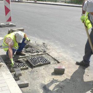 """Отлагат или отменят копаенето на новия асфалт ул. """"Първи май"""" в Смолян?"""