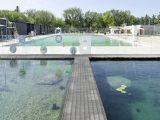 Първият плувен басейн с