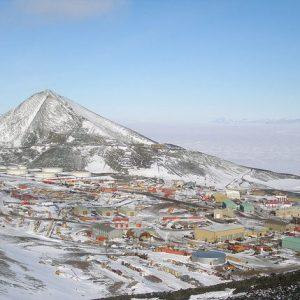 Първият пролетен полет от САЩ пристигна в Антарктида при мерки срещу коронавируса